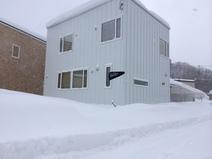 いま雪すごいですよね