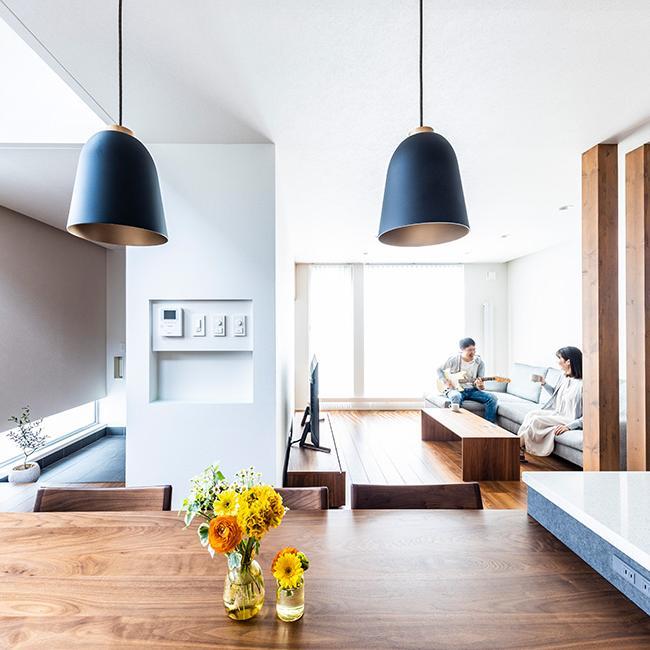 すっきり整った開放的な空間。<br>暮らすことの心地よさを実感する家。
