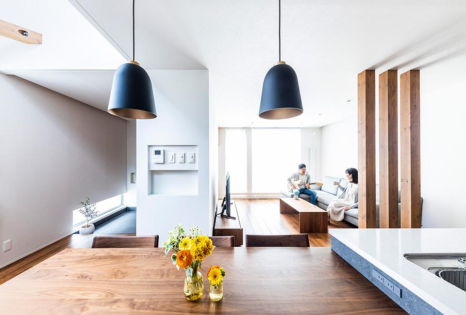 すっきり整った開放的な空間。暮らすことの心地よさを実感する家。